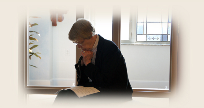 Sister Patricia Wilson in prayer.